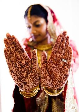 india-henna hands